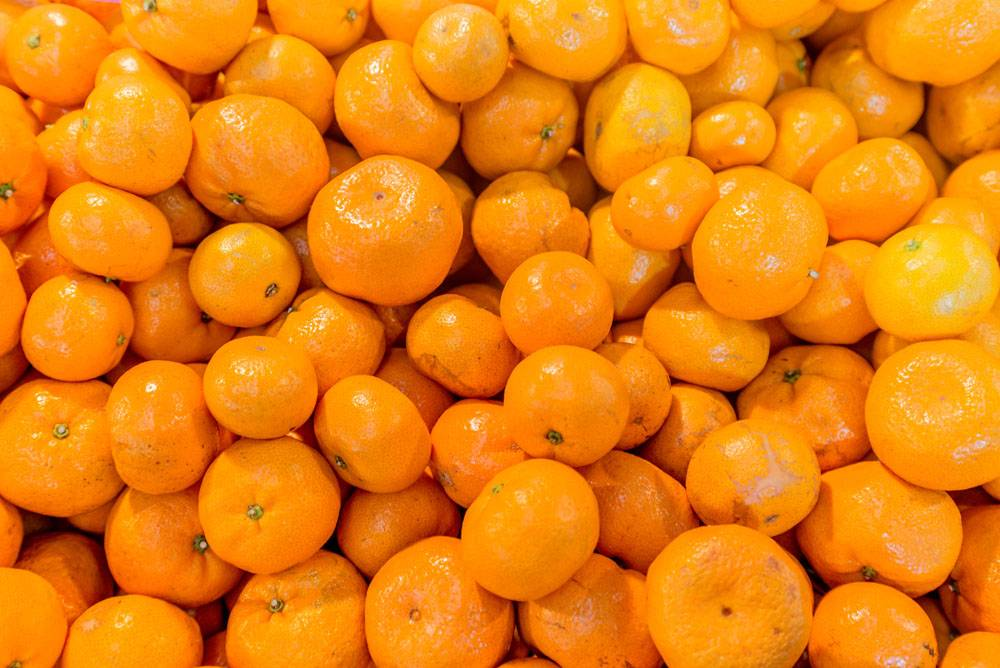 果摊上的砂糖橘