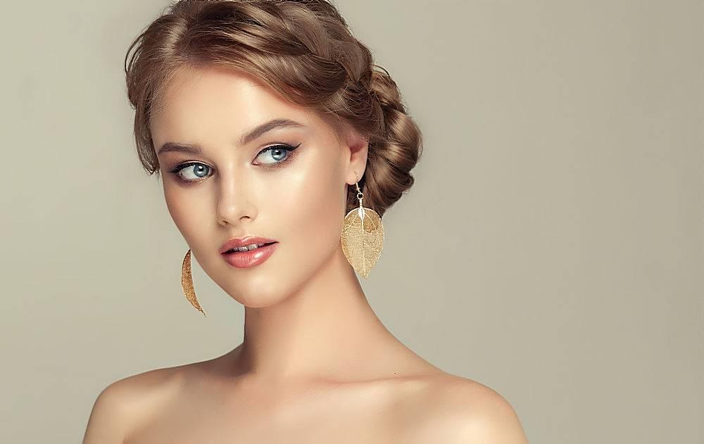 简约的美女化妆设计